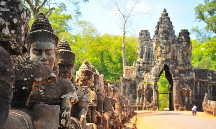 Angkor Thom Temple Tours in Cambodia