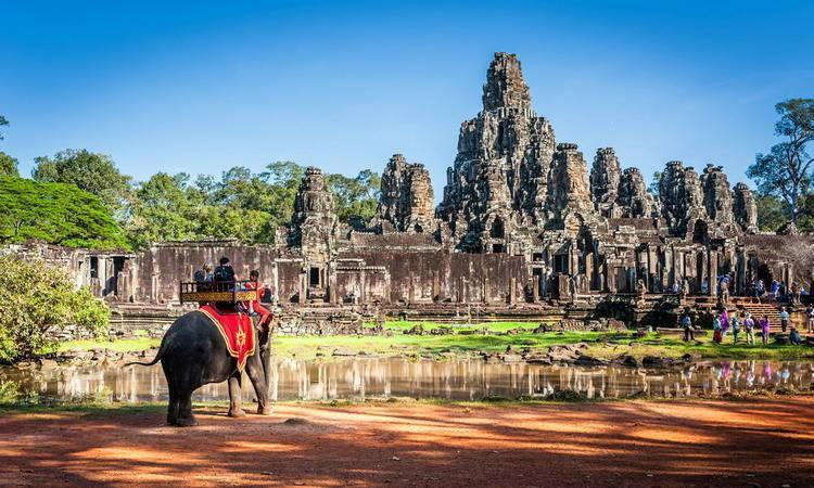 Angkor Thom Guide for traveling in Cambodia
