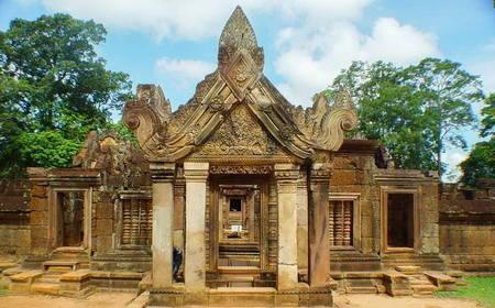 Tours to Banteay Srei in Siem Reap Cambodia