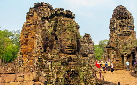 Tours to Bayon Temple in Cambodia